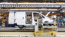 426227016_Nissan_begins_deliveries_of_new_extended-range_zero_emission_e-NV200_van_to