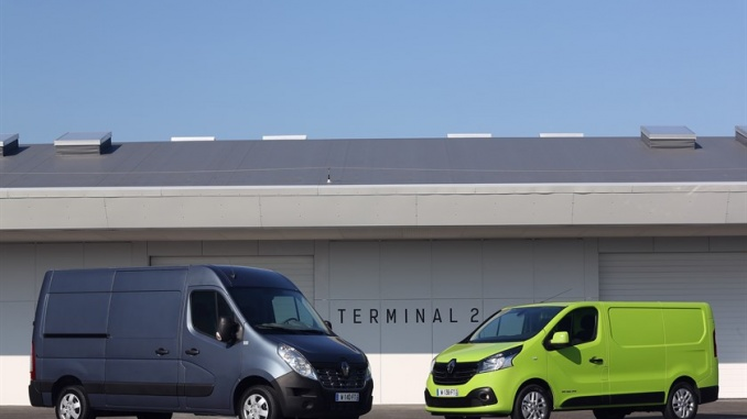 58386_2014_-_New_Renault_Trafic_and_New_Renault_Master