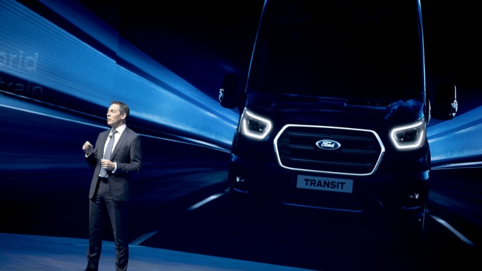 2019_FORD_GOFURTHER_4_AT_THE_SHOW-11