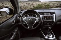 Nissan Navara Double Cab_Blue_Iceland_Interior 2-1200x800